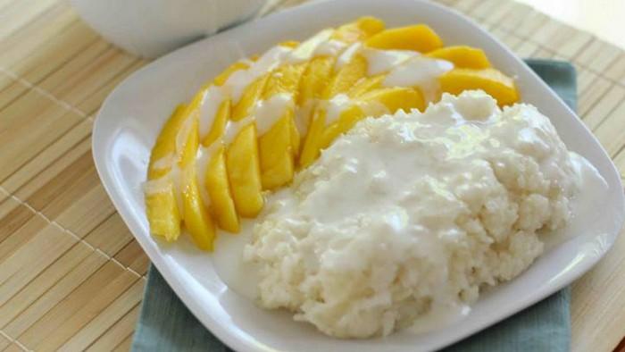Салат из риса с манго