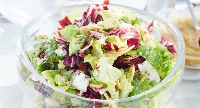 Салат с черносливом и капустой